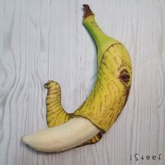 Stephan Brusche finds bananas to be a great surface for drawing and regularly posts his Fruitdoodles to Instagram. Photo: Stephan Brusche