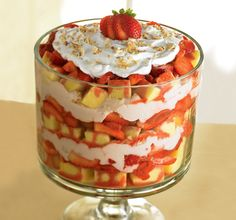 Love this simple Strawberry Cream Trifle for summer picnic.