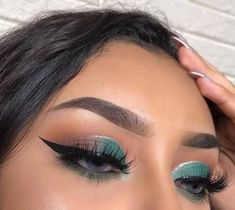 23 Awesome eye makeup that helps to brighten up your day - eye makeup ideas ,eye shadow Day Eye Makeup, Makeup Eye Looks, Clown Makeup, Glam Makeup, Skin Makeup, Makeup Inspo, Eyeshadow Makeup, Makeup Art, Beauty Makeup