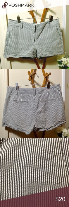 J. CREW Gray & White Striped Shorts The gray is almost a bluish-gray. 2 front pockets and 2 fake back pockets. Great condition. J. Crew Shorts