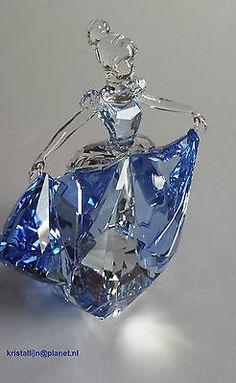 Swarovski Crystal Disney Cinderella Lim-Ed Art No Swarovski Crystal Figurines, Swarovski Crystals, Swarovski Swan, Swarovski Jewelry, Bijoux Fil Aluminium, Crystal Aesthetic, Magical Jewelry, Disney Jewelry, Glass Figurines
