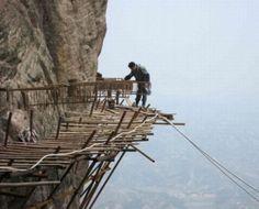 4700 ft high Glass Sky Walk in Tianmen Mountain in Zhangjiajie Hunan, China Zhangjiajie, Scary Places, Places To Go, Scary Things, Glass Walkway, Tianmen Mountain, Chinese Mountains, Wooden Path, Sky Walk