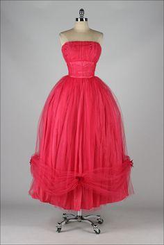vintage 1950s dress . fuchsia pink tulle . by millstreetvintage
