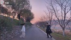 Cute Couple Quotes, Cute Love Couple, Cute Couple Videos, Pretty Korean Girls, Cute Korean Boys, Ulzzang Korean Girl, Ulzzang Couple, Korean Aesthetic, Couple Aesthetic