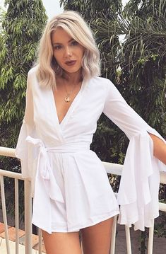 32 ideias de looks para o Ano Novo New Year Looks ideas for beach holiday parties, short dresses, party dresses, long dresses … White Outfits For Women, White Summer Outfits, Summer Dresses, Clothes For Women, White Outfit Party, Sexy Dresses, Cute Dresses, Short Dresses, Fashion Dresses