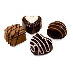 """Lipgloss """"Heaven Box"""" Een prachtig doosje 'bonbons' met 4 verschillende smakelijke lipglosses, grappige #cadeausvoorvrouwen"""