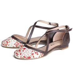 Love flat shoes!