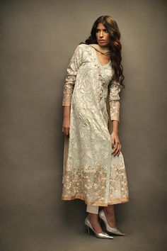 The House of Sania Maskatiya unveils their Bar-e-Sagheer (Subcontinent) collection for Eid, an assortment of crafts, patterns and ornaments that symbolize the subcontinent in its truest sense. The designs themselves have a certain purity about them that is reflective of the essence of the holy month. Delicate self embroidered whites and sheers gently lifted with gaara […]