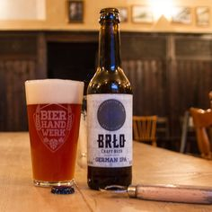 Brlo, German IPA - 7,0% - Orangeish golden colour with a mediumsized white foamy head. Aroma is citrus, caramel malts, some fruity and floral notes as well. Flavour is quite grapefruity along with some sweet malts, toffee, grass and mild nectary sweetness. Solid IPA.
