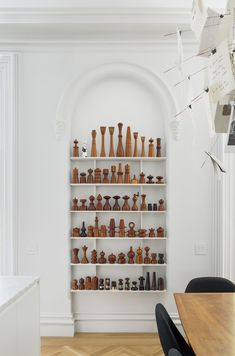 Contemporary Brooklyn Brownstone – Trendland Online Magazine Curating the Web since 2006 Brooklyn Brownstone, Prospect Heights, Decoration Inspiration, Wood Lathe, Displaying Collections, Wood Turning, Modern Design, House Design, Contemporary