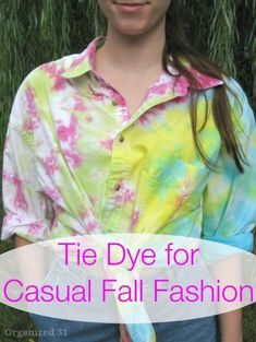 DIY Clothes for Fall - Tie Dye For Casual Fall Fashion - No Sew and Easy Designer Fashion Copycats - Tutorials for Making Your Own Clothing - Update Your Fall Wardrobe With These Cheap Shirts, Dresses, Skirts, Shoes, Scarves, Sweaters, Hats, Wraps, Coats and Bags - How To Dress For Success on A Budget - Free Sewing Tutorials for Beginners and Quick Fashion Upcycles for New Looks in 2020 Autumn Fashion Casual, Casual Fall, New Fashion, Trendy Fashion, Fashion Ideas, Fashion Tips, Diy Clothes Making, Diy Clothes Videos, Work Looks