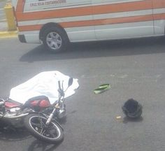 Muere pasajero de motocicleta en choque contra muro en Pavas