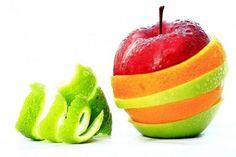 Como limpar frutas e verduras. Antes de consumir frutas e verdura você deve sempre higienizá-los, usar sabão ou vinagre não resolve todos os problemas que podem estar escondidos por trás de uma fruta ou legume mal lavado. Você cheg...
