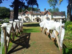 Leeford Place is a well situated Country House Hotel in Battle within the idyllic and historic 1066 countryside. A truly beautiful Wedding Venue in East Sussex. Country House Hotels, Beautiful Wedding Venues, East Sussex, Countryside, Competition, Battle, Places, Lugares