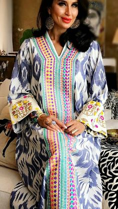 Very nice,,, how to buy it? Arab Fashion, African Fashion, Indian Fashion, Boho Fashion, Kaftan Designs, Modest Fashion, Fashion Dresses, Night Gown Dress, Modele Hijab