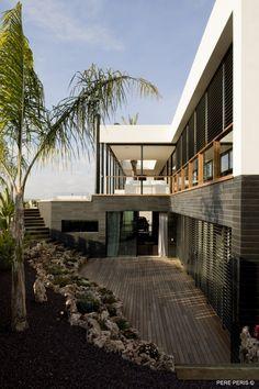 Window by LADAA (Design Team: Sergio Adelantado, Sara Lopez Blanco) // Valencia, Spain