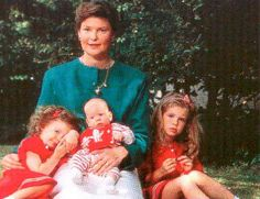 Princess Margaretha of Liechenstein, nee of Luxembourg, with her 3 surviving children, L-R:  Princess Marie-Astrid, Prince Josef-Emanuel, and Princess Maria-Anunciata. Prince And Princess, Little Princess, Young Prince, Grand Duke, Rare Pictures, Descendants, Royal Families, Siblings, Princesses
