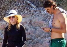 Madonna cobre o corpo com look all black em ida à praia com moreno misterioso #Clipe, #Filme, #Noticias, #Show, #Sucesso, #TVGlobo http://popzone.tv/2017/07/madonna-cobre-o-corpo-com-look-all-black-em-ida-a-praia-com-moreno-misterioso.html