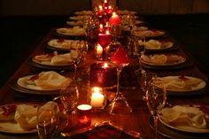Idéia mesa de natal - fiz na ceia - muitas velas dando o toque na decoração