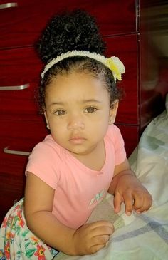 Thanks heaven for little girls! Cute Mixed Babies, Cute Black Babies, Beautiful Black Babies, Cute Little Baby, Pretty Baby, Beautiful Children, Little Babies, Cute Babies, Little Kid Fashion
