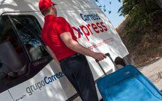 Poco a poco se va imponiendo una nueva forma de viajar mucho más placentera, gracias al nuevo servicio de Correos Express Equipaq24 que traslada tu equipaje de puerta a puerta en 24 horas.