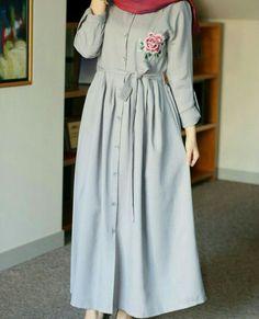 Hijab Style Dress, Casual Hijab Outfit, Hijab Chic, Muslim Women Fashion, Islamic Fashion, Niqab Fashion, Fashion Dresses, Beautiful Casual Dresses, Modele Hijab