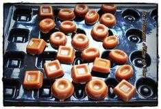 Salted Butter Caramel – Dessert Recipes – Over 1000 Recipes at CakesandSweets.fr – Desserts World Bonbon Caramel, Caramel Mou, Apple Desserts, Delicious Desserts, Dessert Recipes, Cake Ingredients, Bonbon, Gastronomia, Gourmet