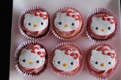 Hello Kitty cupcakes Hello Kitty Cupcakes, Cat Cupcakes, Desserts, Kids, Handmade, Food, Tailgate Desserts, Young Children, Deserts