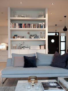 livingroom_bookshelf.jpg 660×880 pikseliä
