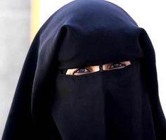 خليجية تعاقب زوجها .. باع ذهبها وتزوج بثمنه  #القيادي #Alqiyady #اخبار_الخليج #اخبار_محلية #حوادث