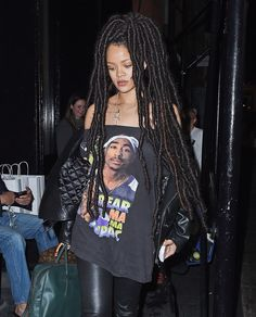 Rihanna look amazing in her Rastafarian local showing she a young woman with of innocent and versatility