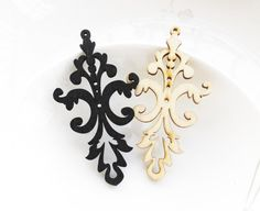 Dyeing Series  37x 68 mm Filigree Black / Nature by halocolor