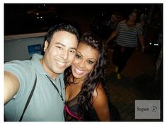 Selfie! Com a gatíssima e colega Graciele Chaveirinho (maravilhosa), - dançarina e bailarina do programa ESQUENTA! (Rede Globo de Televisão). — com Graciele Chaveirinho.