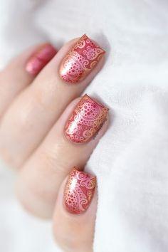 Marine Loves Polish: Duochrome Paisley - What's Up Nails A003 - Colour Alike Mars - Paisley nail art