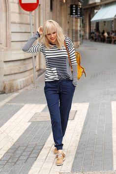 Ein echter Indianer kennt den Trend! Fransen, Perlen und weiches Leder – die Arizona-Boots im Indianer-Style bringen den Ethnolook in deinen Schuhschrank und lassen sich super mit jeder Jeans kombinieren. Ideal für Tage, an denen du viel auf den Beinen bist!