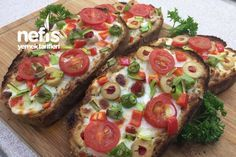 Kahvaltılık Sarımsaklı Ekmek Dilimleri Breakfast Snacks, Breakfast Items, Breakfast Recipes, Brunch, Turkish Recipes, Food And Drink, Cooking Recipes, Tasty, Diys
