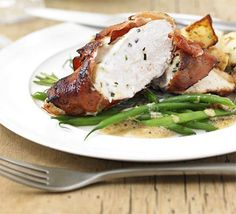Stuffed Chicken ~ 25 mins ~ Per Serving:  339 calories, protein 37g, carbohydrate 3g, fat 20 g, saturated fat 9g, fibre 0g, sugar 2g, salt 1.24 g ~ To minimise fat here, replace mascarpone wth cottage cheese, and use turkey bacon in place of prosciutto