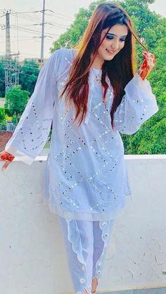 Kurta Designs, Lehenga Designs, Kurti Designs Party Wear, Blouse Designs, Indian Fashion Dresses, Pakistani Dresses Casual, Pakistani Bridal Dresses, Pakistani Dress Design, Stylish Dresses For Girls