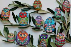More owl Pebbles! I must make some of these! I don't have any pebbles though :(  Would also work really well with blown eggs. Always seems a bit of a waste of an egg though.