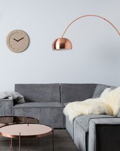 Finding the Best Wall Decor Living Room Apartment Small Spaces Interior Design Small Living Rooms, My Living Room, Living Room Decor, Table En Granit, Copper Decor, Small Space Interior Design, Cool Walls, Small Spaces, Wall Decor