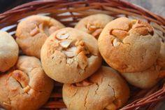 Eggless Biscotti Recipe, Cashew Cookies Recipe, Cookie Recipes, Mousaka Recipe, Chocolate Fudge Cookies, Cookie Glaze, Date Cookies, Passionfruit Recipes, Tummy Yummy