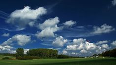 Etwas mehr Wind, gibt es heute. ...  Aber das ist für erfahrene Fallschirmspringer kein Problem. Auch nicht bei den Deutschen Meisterschaften in Wallerfangen-Düren, Saarland.:-)