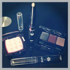 #makeup #products #NYX #eshop #TheBeautyst #order #Pinky #blush #palette #eyeshadows #EnFuego #smokyeyes #GlamshadowStick #beauty by @_bbgaga