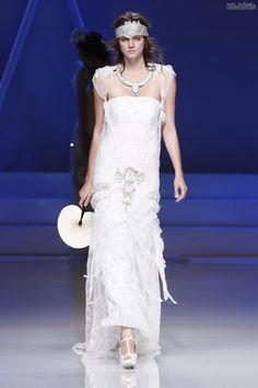 #sexi #love #jeans #clothes #coat #shoes #fashion #style #outfit #heels #bags #treasure #blouses #wedding #weddingdress #weddingday #weddingcelebration #weddingwoman Dlhé+svadobné+šaty+v+duchu+retro
