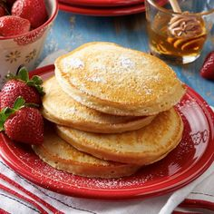 Various Daisy Sour Cream pancakes! Sour Cream Pancakes, Pancakes And Waffles, Yogurt Recipes, Snack Recipes, Snacks, Healthy Recipes, Daisy Sour Cream, Daisy Brand, Protein