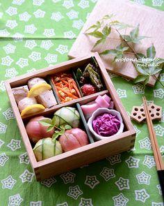 5/23 手まりおにぎりと鶏のレモン蒸し弁当