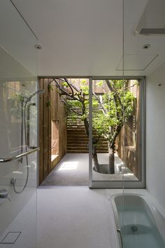 Rustic House / UID Architects Iberia Center for Contemporary Art / Approach Architecture Studio Cannon Design Regional Offices / Cannon Desi. Beautiful Bathrooms, Modern Bathroom, White Bathroom, Bathroom Vintage, Bathroom Laundry, Downstairs Bathroom, Dream Bathrooms, Nature Bathroom, Garden Bathroom