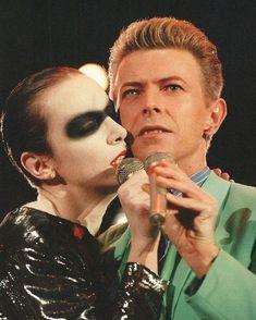 David Bowie & Annie Lennox at The Freddie Mercury Tribute Concert