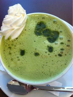 Matcha Green Tea Latte from Cafe de Miki with Hello Kitty|抹茶ラテ