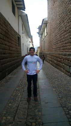 Best Volunteer Abroad Programs, Volunteer Overseas, Education English, Teaching English, Volunteers, Peru, Touring, Cathedral, Places To Visit